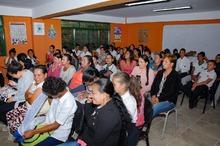 Entrega de nueva aula en Travesías, Guática