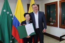 Orden al Mérito Ciudadano a maestra coreana