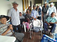 Gobernación entrega sillas de baño y pañales a Centros de Bienestar de Adulto Mayor